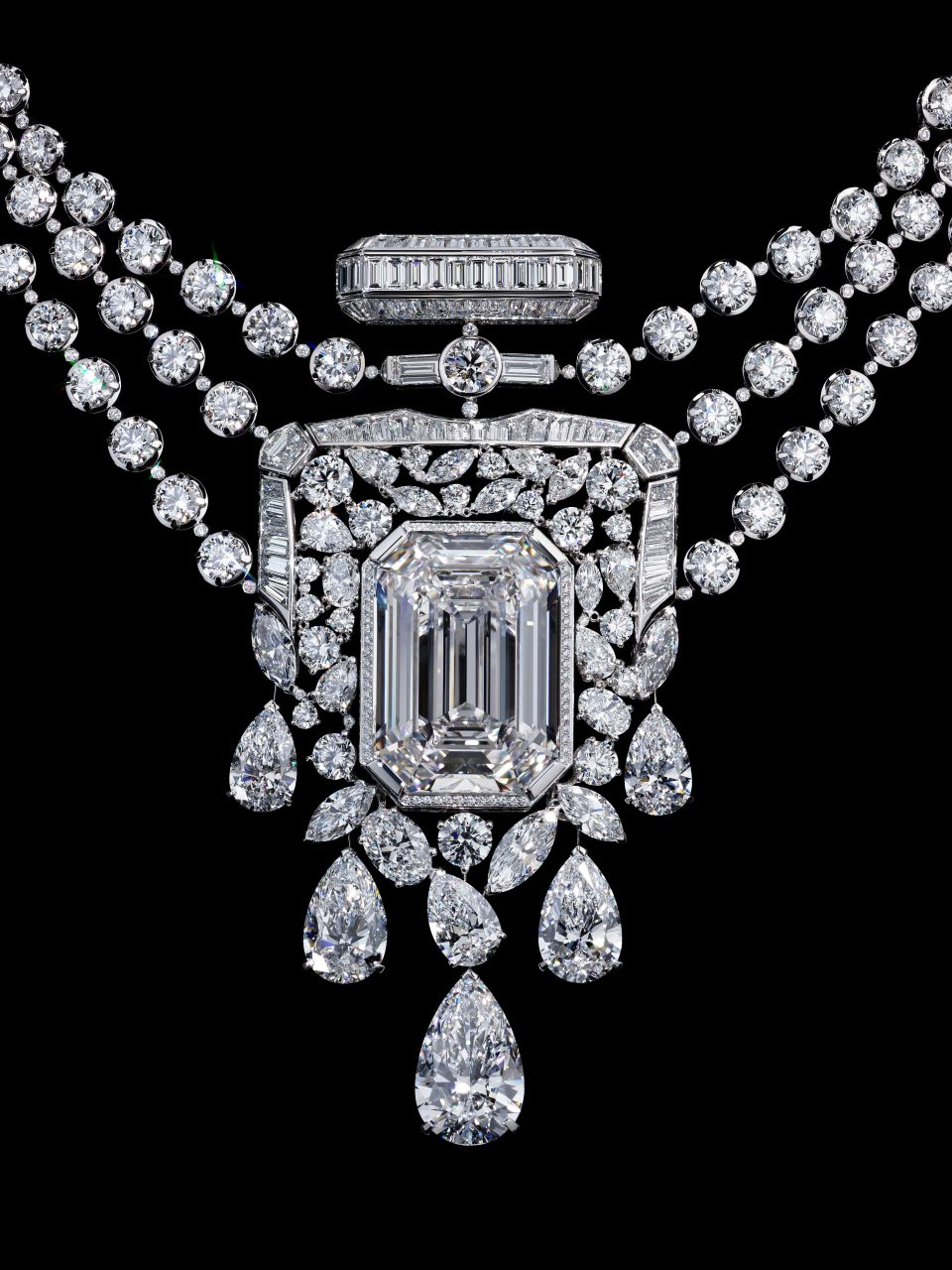 Chanel Celebrates Its Centenary Of The N°5 Perfume With A 55.55-Carat  Diamond Necklace